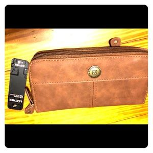 Stone Mountain Genuine Brown Leather Wallet Clutch